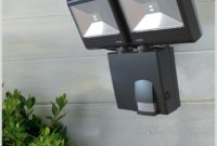 Battery Operated Outdoor Light With Motion Sensor