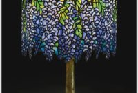 New York Tiffany Table Lamp