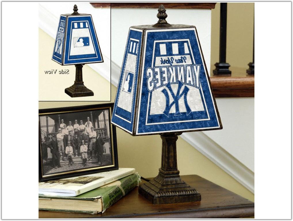 New York Yankees Table Lamp