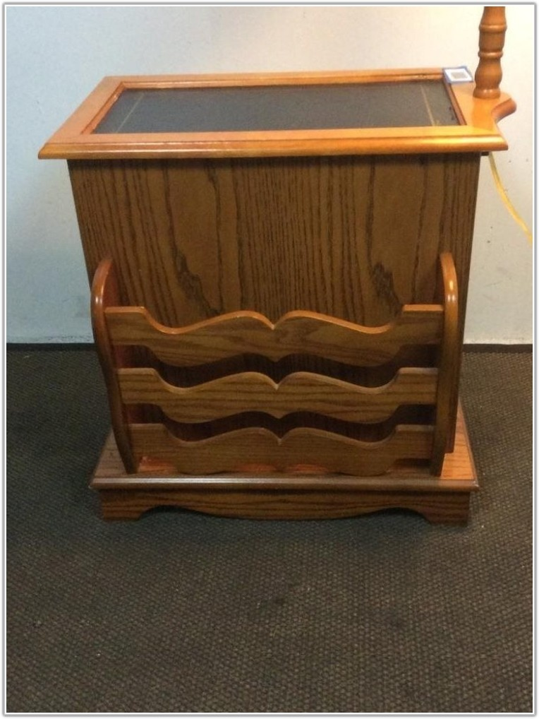 Oak End Table With Built In Lamp