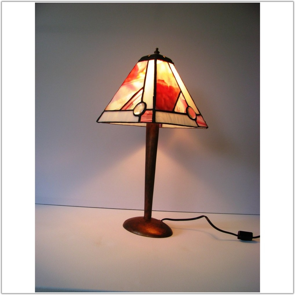 Pink Stained Glass Table Lamp