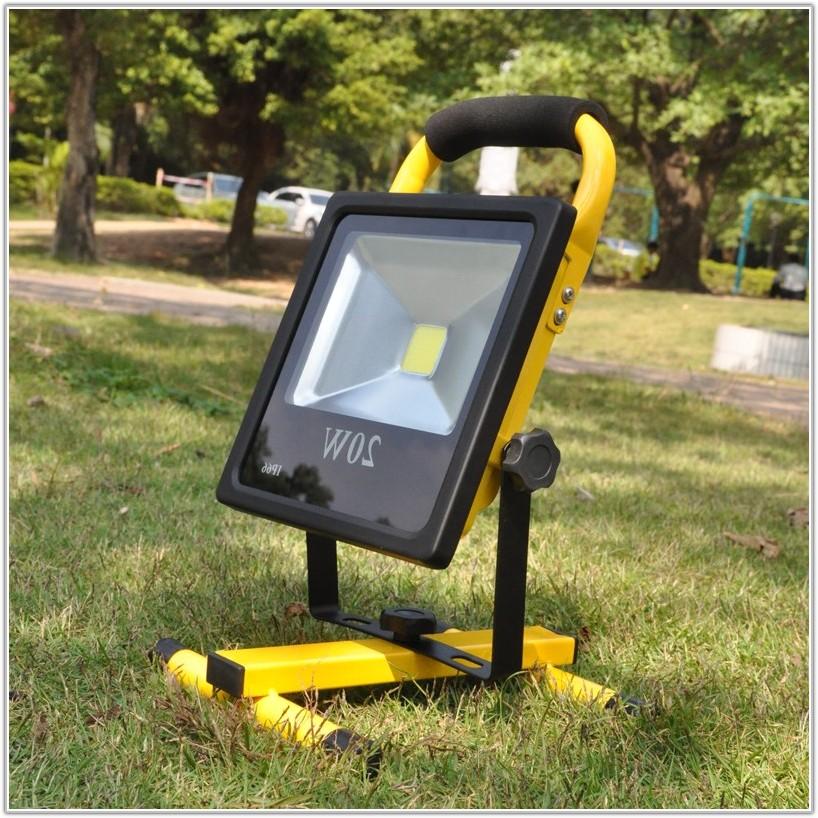 Solar Powered Outdoor Light Kit