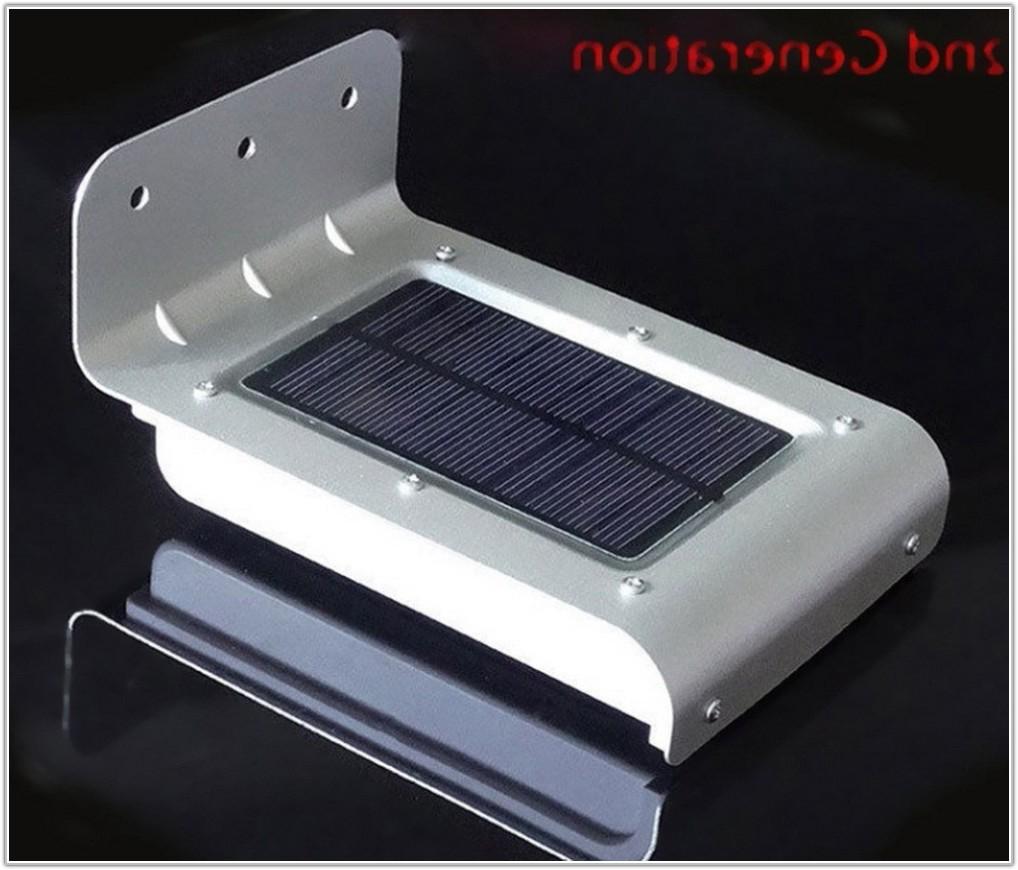 Solar Powered Outdoor Light With Motion Sensor