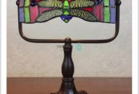 Tiffany Style Dragonfly Desk Lamp