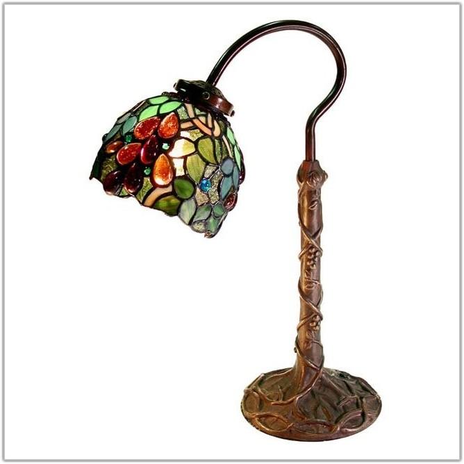 Tiffany Style Grape Desk Lamp