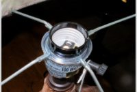 Uno Screw On Lamp Shade