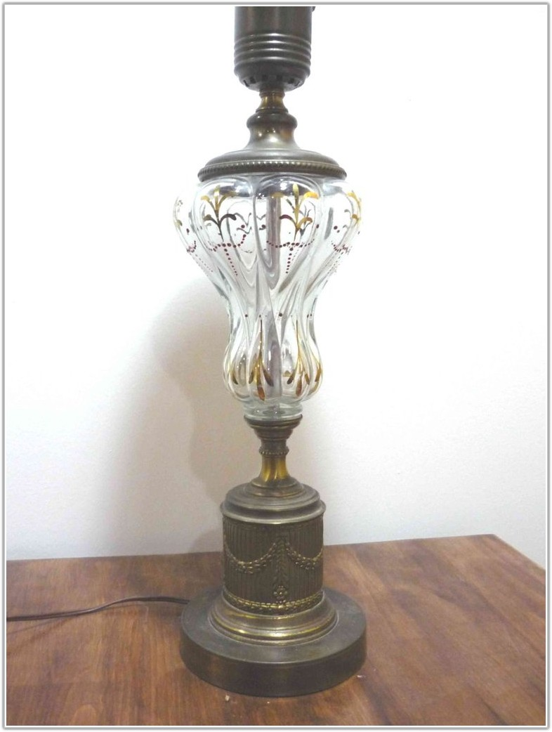 Vintage Brass Table Lamp With Glass Shade