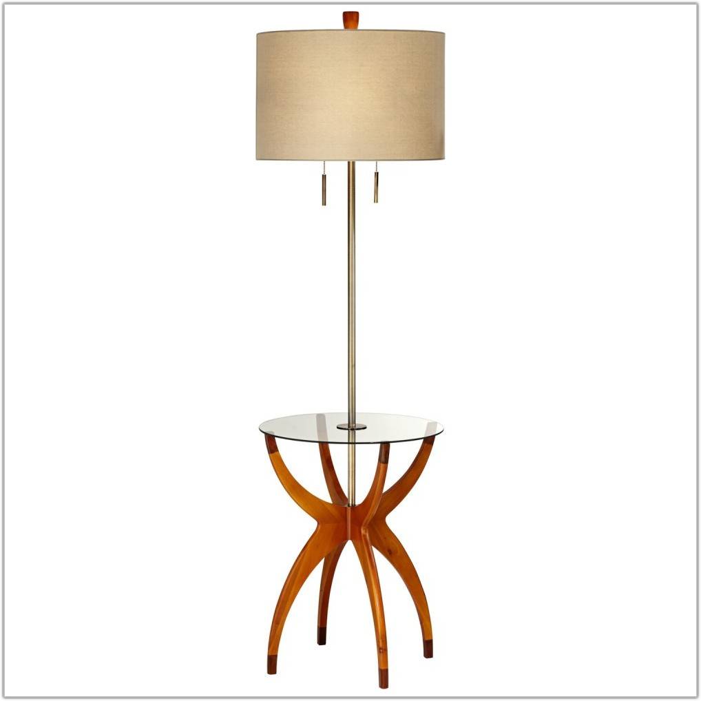 Wicker Table And Floor Lamp Set Gold
