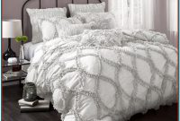 Grey And White Quilt Sets