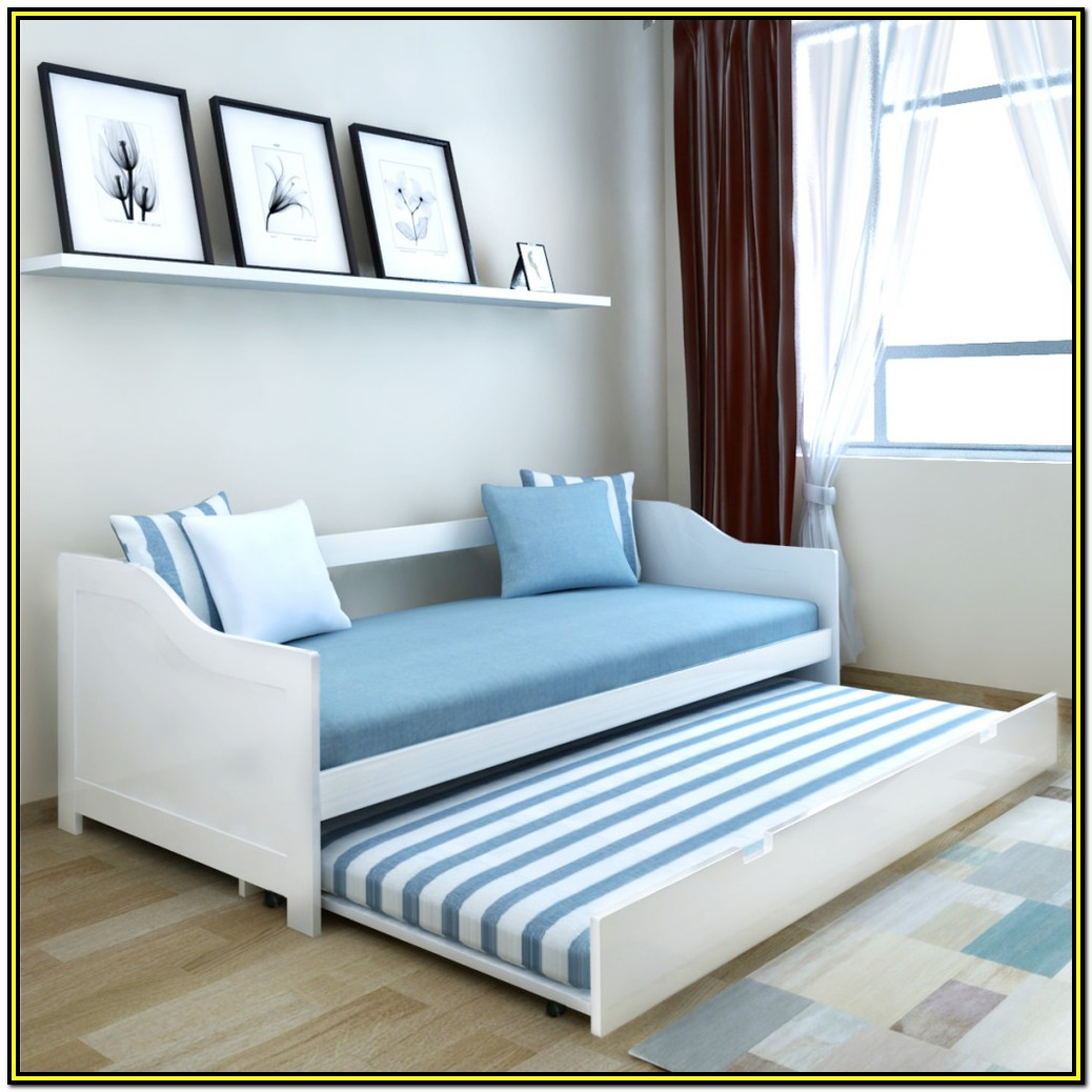 Wooden Daybed With Trundle And Mattresses