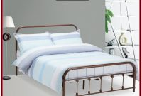 Queen Size Metal Platform Bed Frame With Headboard