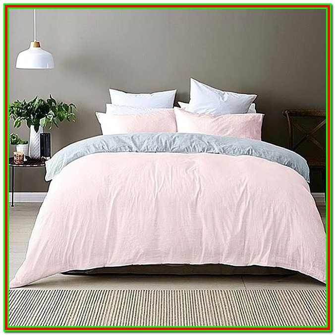 Pink Full Size Bedspread