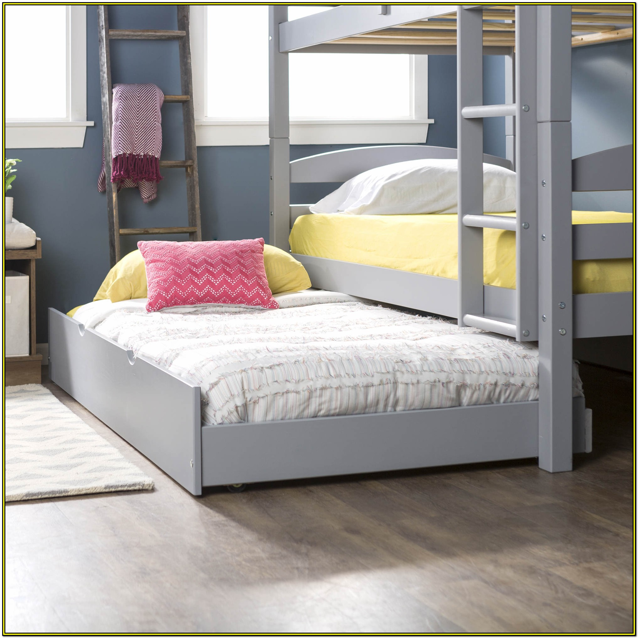 Solid Wood Twin Trundle Bed White